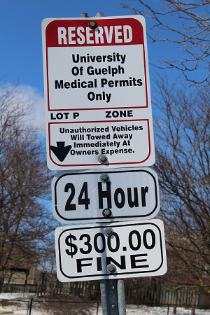 U of G Medical Parking Sign